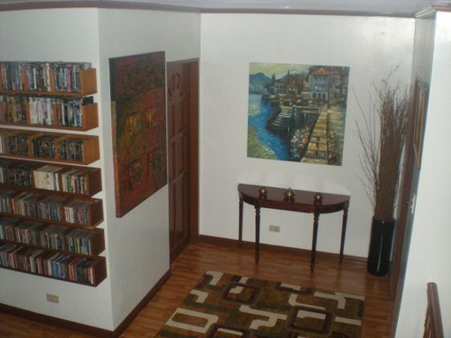 2nd-floor-hall-way