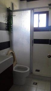 2nd-floor-toilet-and-bath