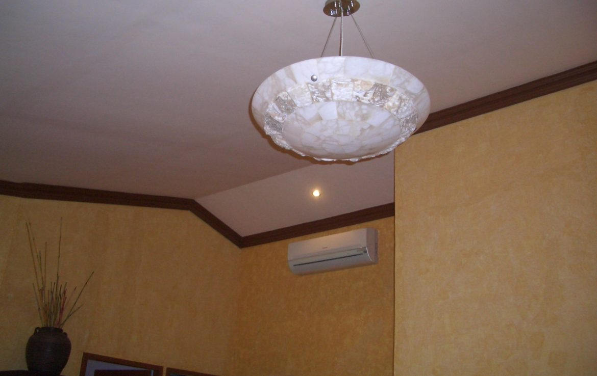 stone-cast-hanging-light_-split-type-aircon