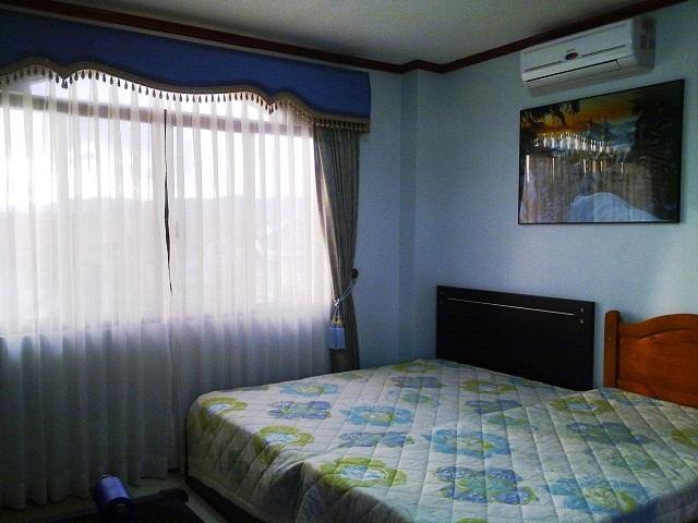 top-floor-spare-bedroom