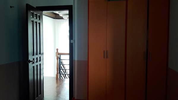 bedroom-2-view-2