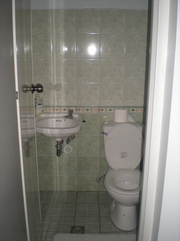 powder-room-on-ground-floor
