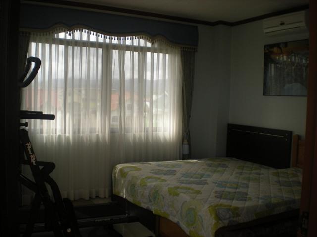 roof-deck-bedroom