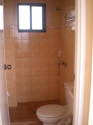 roof-deck-toilet-bath