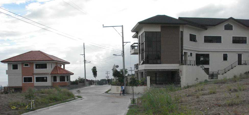 surrounding-houses