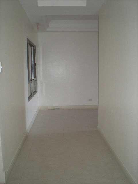 hallway-to-elevator