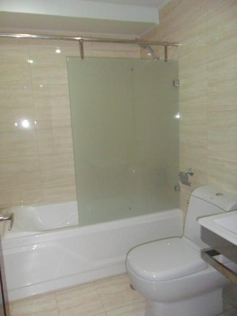 masters-bedroom-toilet-bath